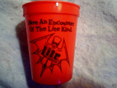 LITE BEER HALLOWEEN PLASTIC CUP Skeletons Bat,have an encounter with light kind