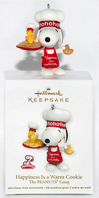 2011 HAPPINESS IS A WARM COOKIE NEW Hallmark Peanuts Snoopy Ornament PUPPY DOG