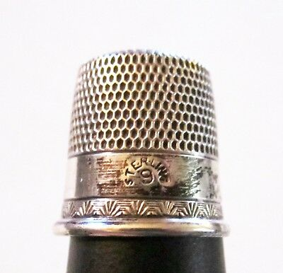 Wonderful Vintage Early Sterling Silver Thimble Sz 9 Etched Clam Shell Trim
