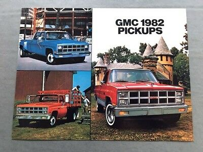 1982 GMC SIERRA Pickup Truck Original Canada Sales Brochure Catalog