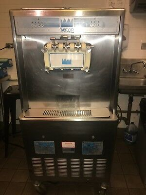 Taylor 754-33 Soft Serve Ice Cream/frozen Yogurt Machine Water Cooled 3Ph