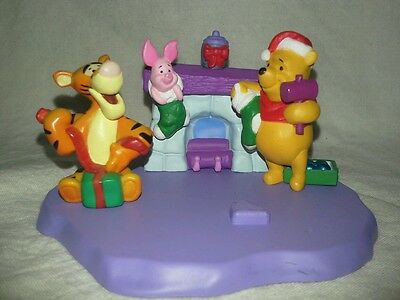 Hallmark Merry Miniatures 1999 Christmas at  Pooh's with Tigger & Piglet