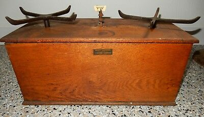 Vintage Henry Troemner Apothecary/Pharmacy Scale No. 57 - 10 lbs Wood Case
