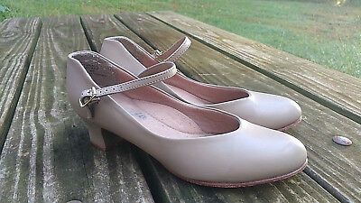 """Womens CAPEZIO Tan Leather Sole Character Dance Theater 1.75"""" Heel Shoes 8.5 9"""