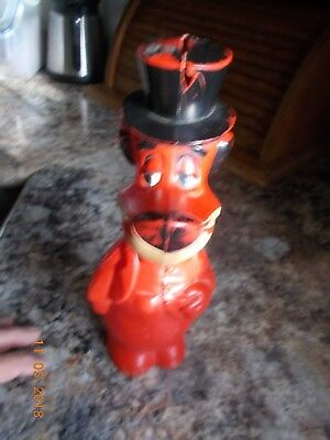 "Knickerbocker 10"" Tall Huckleberry Hound Red Plastic 2-piece Bank"