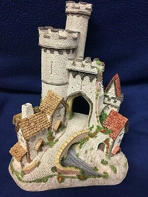 David Winter Cottages Collection - 1984 Castle Gate in original box