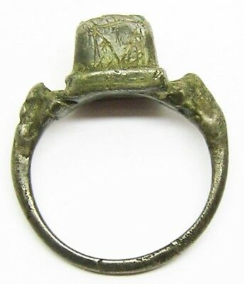 16th century A.D. Renaissance Silver & Green Gemstone Finger Ring Size 10 1/4