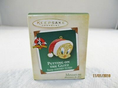 2004 Hallmark Miniature Ornament  Putting on the Glitz  Tweety  Looney Tunes