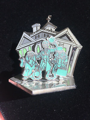 Disney WDI - Hitchhiking Ghosts Haunted Mansion Diorama Pin LE 500