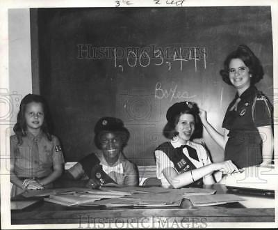 1970 Press Photo The top four Girl Scout Cookie sales girls of Houston