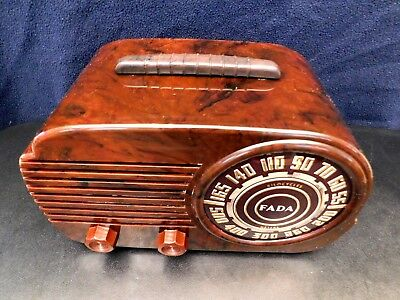 VINTAGE 1940s ART DECO FADA MID CENTURY ANTIQUE OLD SWIRLED CATALIN COLORS RADIO