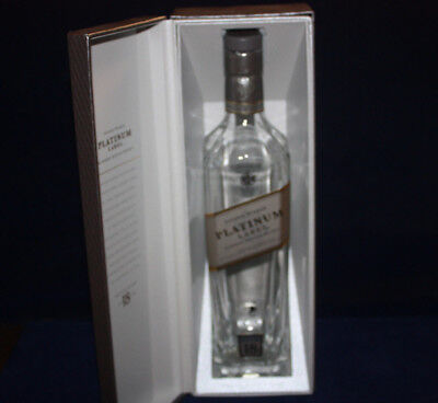 JOHNNIE WALKER PLATINUM LABEL SCOTCH WHISKY GIFT BOX & EMPTY BOTTLE 750 ml