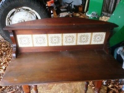 Vintage tiled upstand for a washstand
