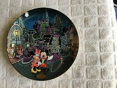 Disneylands 40th Anniversary The Main Street Electrical Parade Plate