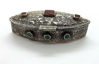 Antique Turquoise Onyx And Red Coral Engraved Silver Snuff Box