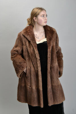 Really Good Mid-20th Century Fur Coat or Jacket. Ref IRB