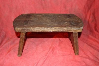 Outstanding Early American Mortised Splayed Stool Rare Chestnut Wood