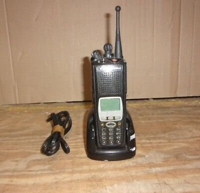 Motorola XTS5000 H18UCH9PW7AN Numérique Radio Portable See Notes