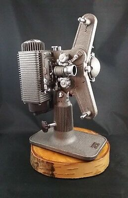 Vintage antique Revere Eight 8 mm Projector with Case