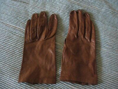 Vintage Pair of Ladies soft brown leather Gloves by Milore size:6 3/4 vgc
