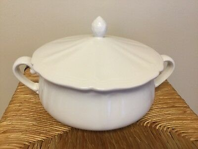 Vintage Federalist Ironstone White Covered Serving Bowl Tureen