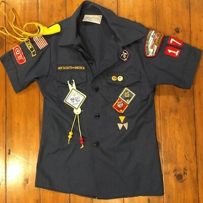 Boy Scouts of America BSA S/S Uniform Shirt Boys Med w/ Pins Patches Tassels