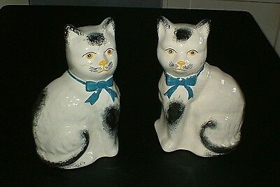 Vtg  Pretty Pair Staffordshire Style H/p Spongeware Mantel Shelf  Cat Figurines