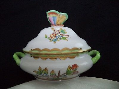 Herend painted china mini tureen bowl Victoria butterfly finial Hungary 5in long