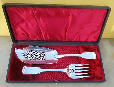 Cased Antique Victorian Sterling silver fish servers, 337 grams, 1841, 1896