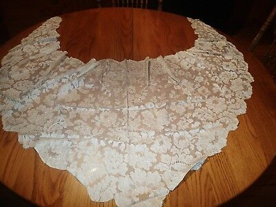 Pretty Antique Beige Chantilly Lace Shawl, Cape, Lovely & Sheer With Flowers