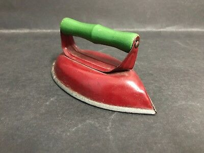 VINTAGE TIN TOY IRON BY MERRY TOYS AUSTRALIA, FROM 1950's