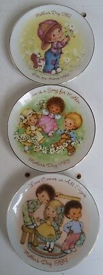 Avon Canada Mothers Day 1982 1983 1984 Decorative Plates 5 Inches Across