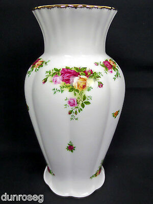 "OLD COUNTRY ROSES VERY LARGE 31cm 12"" MONTROSE VASE, 1st QLTY, VGC, ROYAL ALBERT"