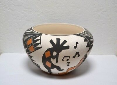 "signed L Joe (Loretta Joe) Pottery Native American Acoma Pueblo NM 4 3/8"" x 7"" w"