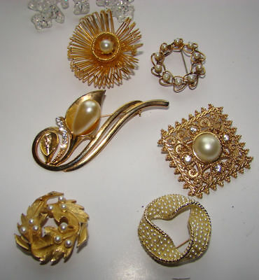 Vintage Lot Of 6 Very Pretty Faux Pearl Pins