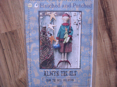 Alwyn, the Elf - Hatched and Patched - Weihnachten