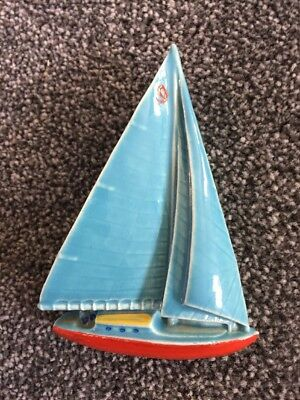 Wade Yacht Wall Plaque 1955 blue sails 4 1/2ins tall - Lovely piece - 2 of 3