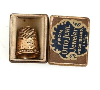 Victorian 14K Gold Thimble Size 7 Carved W/ Village Scene & Box