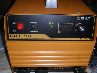 PLASMA CUTTER CUT 40 with TORCH AND BUILT IN COMPRESSOR