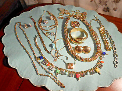JOB LOT OF VINTAGE GOLDTONE COSTUME JEWELLERY inc necklaces earrings bracelets
