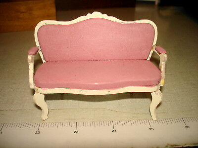 Dollhouse Miniatures 1:12 - WOODEN ANTIQUE SETTEE WITH CUSHIONS