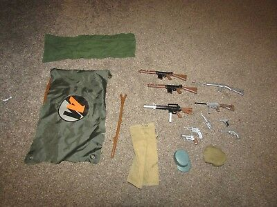 Job lot bundle of vintage Action man clothes accessories  - 9 guns 1 knife beret