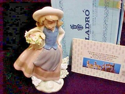 Lladro Figurine SWEET SCENT # 5221 Girl w/Basket of flowers  w/BOX ~EXCELLENT