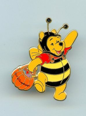 Walt Disney World Halloween Winnie the Pooh dressed as Bumble Bee LE Pin