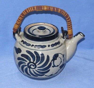 Knobler Japanese teapot with wrapped wooden handle, vintage Japan