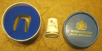 Royal Worcester BUTTERFLY Porcelain Thimble NEW In Box!!!!