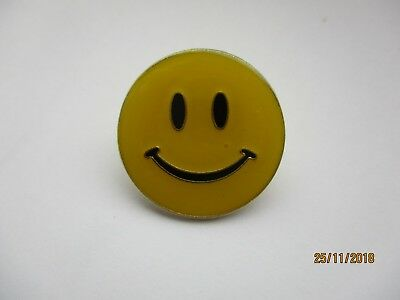 ACID HOUSE SMILEY FACE RAVE MUSIC VINTAGE 1980s 90s NEW RARE PIN BADGE SALE 99p