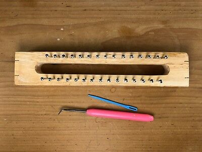 NEW 30 Pin Wooden Knitting Loom Board and Hook Needle with  Defect 22cm long