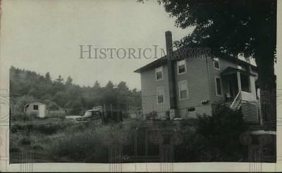 1973 Press Photo Exterior view of Mrs Charles Mandy, where Garrow was captured
