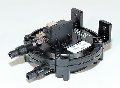 DWYER Gage, PS100-A1310, PDPS .25mbar Differential Vacuum / Pressure Switch
